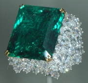 The-Chalk-Emerald-Ring-2